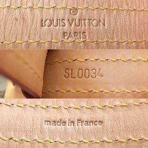 Louis Vuitton Bags - ⛔️SOLD⛔️Authentic Louis Vuitton Baxter Leash